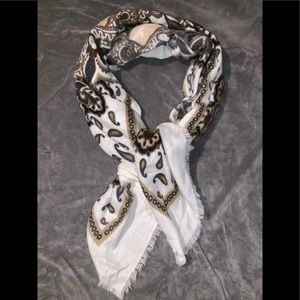 Steve Madden Scarf / new without tags /never worn